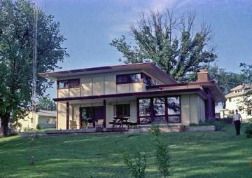 62 Doderer House-rx